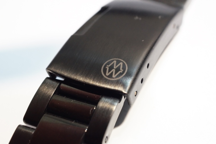 monowear metal buckle