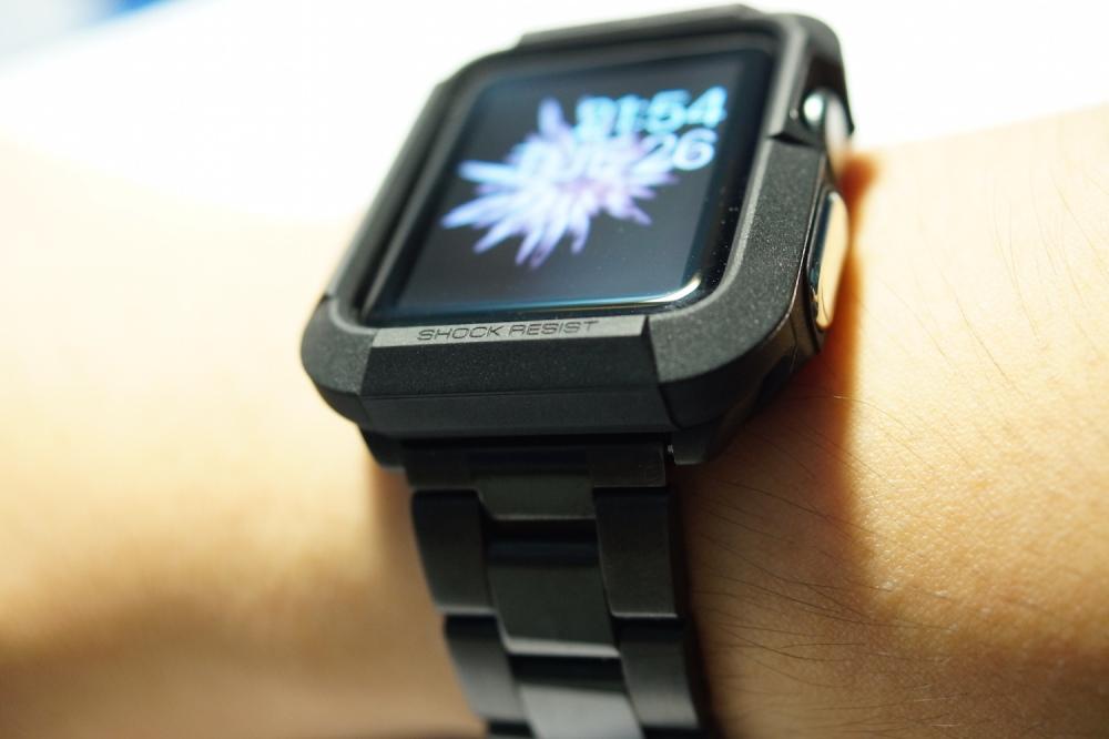 Spigen Apple Watch Rugged Armor 3