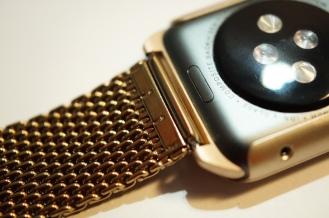 Monowear Gold Mesh 05