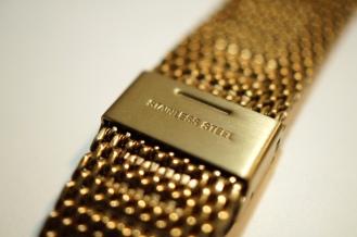 Monowear Gold Mesh 02