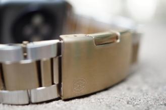 Monowear Gold Metal Link 05
