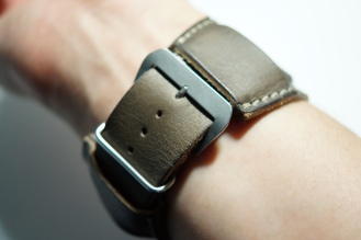 BuonGustoItaliano Handmade Leather Cuff Apple Watch Band 09