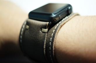 BuonGustoItaliano Handmade Leather Cuff Apple Watch Band 10