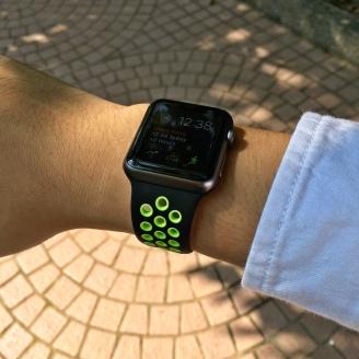 nike-band-black-green-2