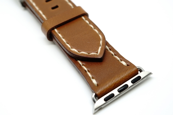 outline-leather-satchel-brown-apple-watch-strap-02