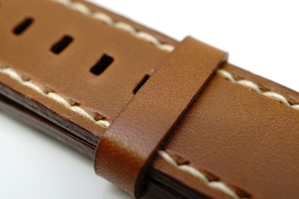 outline-leather-satchel-brown-apple-watch-strap-03