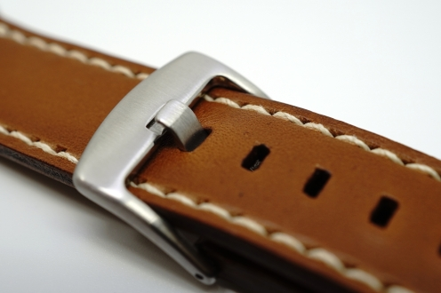outline-leather-satchel-brown-apple-watch-strap-05