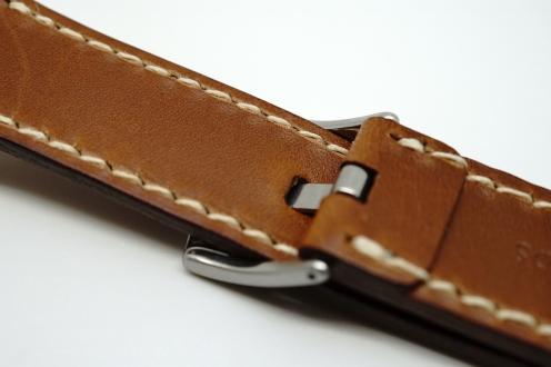 outline-leather-satchel-brown-apple-watch-strap-07