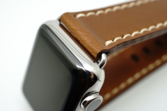 outline-leather-satchel-brown-apple-watch-strap-22