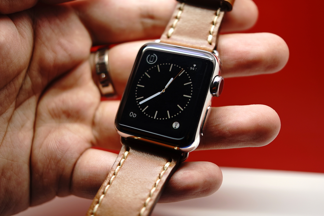 outline-leather-satchel-brown-apple-watch-strap-29