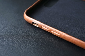 Nomad Leather Case 08