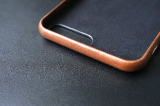 Nomad Leather Case 09