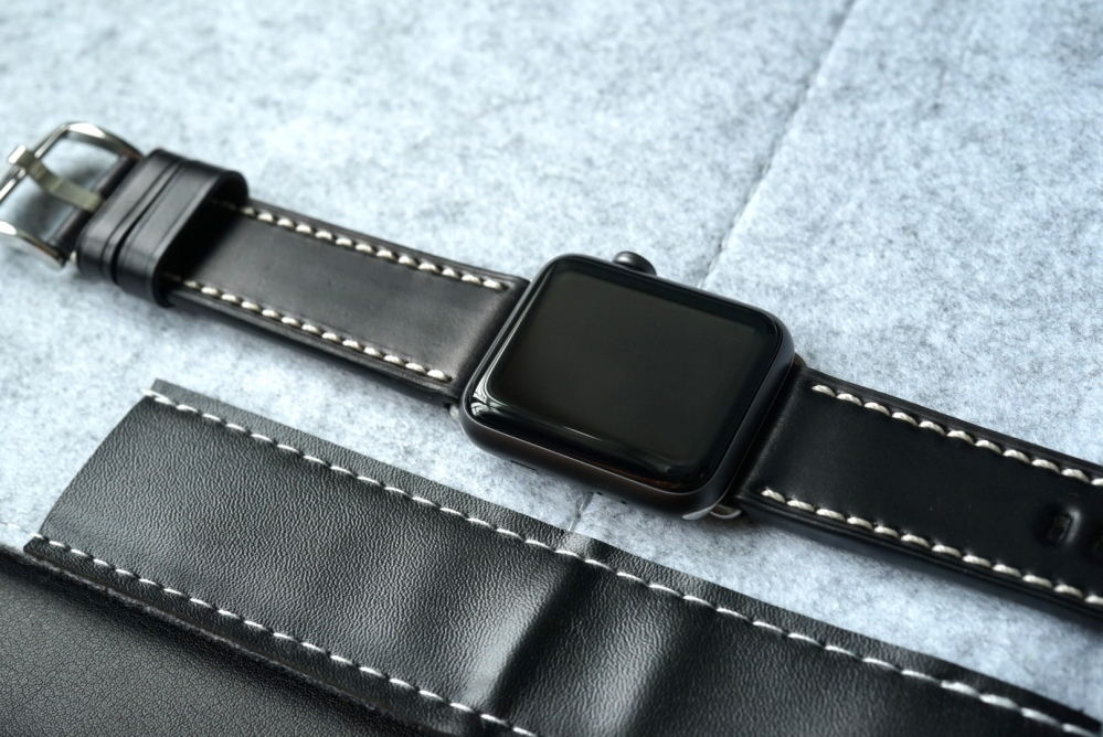 BandWerk Leather Apple Watch Band 08