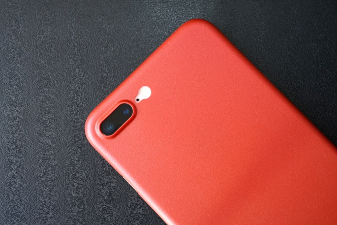 Caudabe iPhone 8 Case 05