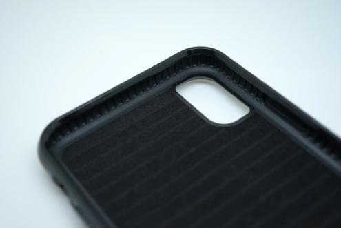 SENA Lugano Wallet Case 47
